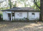 Foreclosed Home en RIVER HILLS DR, Tampa, FL - 33617