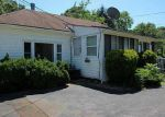 Foreclosed Home en BEACH AVE, Warwick, RI - 02889