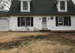 Foreclosed Home en ZELL CIR, De Soto, MO - 63020