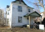 Foreclosed Home en STATE ST, Cedar Falls, IA - 50613