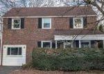 Foreclosed Home en IRVINGTON RD, Drexel Hill, PA - 19026