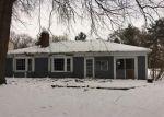 Foreclosed Home en WHITCOMB ST, Livonia, MI - 48154