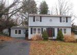 Foreclosed Home en PILGRIM LN, Wallingford, CT - 06492