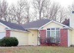 Foreclosed Home en N HEMLOCK ST, Ottawa, KS - 66067