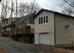 Foreclosed Home en COLD RUN VALLEY RD, Berkeley Springs, WV - 25411