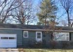 Foreclosed Home en W 77TH ST, Overland Park, KS - 66204
