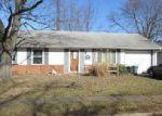 Foreclosed Home en GODER DR, Frankfort, IN - 46041