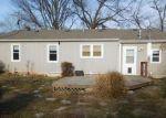 Foreclosed Home en N MICHIGAN AVE, Kansas City, MO - 64118