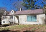 Foreclosed Home en S GROVELAND DR, Bluefield, WV - 24701