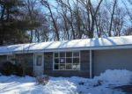 Foreclosed Home en GERALYNN DR, Brockton, MA - 02302