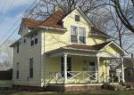 Foreclosed Home en W 8TH ST, Rushville, IN - 46173