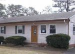 Foreclosed Home en CHEROKEE DR, Browns Mills, NJ - 08015