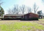 Foreclosed Home en W RIVERSIDE DR, Marked Tree, AR - 72365