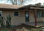 Foreclosed Home en N WAVERLY RD, Lansing, MI - 48917