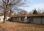 Foreclosed Home en CIRCLE DR, Carmel, IN - 46032