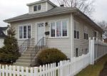 Foreclosed Home en N 14TH AVE, Melrose Park, IL - 60160
