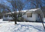 Foreclosed Home en SAINT MIHIEL DR, Hamden, CT - 06514