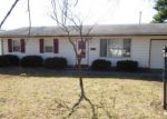Foreclosed Home en E COUNTRY SQUIRE DR, Urbana, IL - 61802