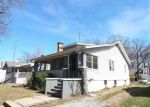 Foreclosed Home en LINDEN AVE, Centralia, IL - 62801