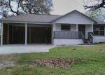 Foreclosed Home en N CHURCH ST, Goliad, TX - 77963
