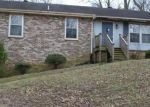 Foreclosed Home en TOWNSHIP DR, Hendersonville, TN - 37075