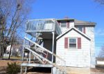 Foreclosed Home en W MAIN ST, Plainville, CT - 06062