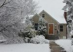 Foreclosed Home en W MAPLE AVE, Morrisville, PA - 19067