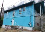 Foreclosed Home en CHARLES ST, Logan, WV - 25601