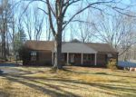 Foreclosed Home en COLLEGE PARK DR, Lynchburg, VA - 24502