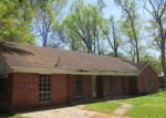 Foreclosed Home en HERRIN DR, Picayune, MS - 39466
