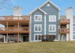 Foreclosed Home en LAKELAND DR, Lake Geneva, WI - 53147