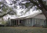 Foreclosed Home en AVENUE P, Huntsville, TX - 77340