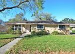 Foreclosed Home en SANTA CECILIA DR, Kingsville, TX - 78363