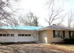 Foreclosed Home en EDGEWOOD LN N, Centralia, IL - 62801