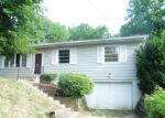 Foreclosed Home en E PLEASANT VIEW DR, Des Moines, IA - 50315