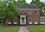 Foreclosed Home en E 1ST ST, Groveton, TX - 75845