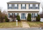 Foreclosed Home en HOBBS ST, Attleboro, MA - 02703