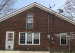 Foreclosed Home en CENTER ST, Jeffersonville, IN - 47130