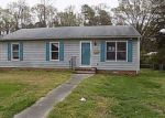 Foreclosed Home en FARRIS AVE, Colonial Heights, VA - 23834