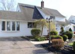 Foreclosed Home en EVERTURN LN, Levittown, PA - 19054