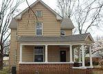 Foreclosed Home en S EVERGREEN AVE, Chanute, KS - 66720