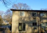 Foreclosed Home en OAKVILLE AVE, Waterbury, CT - 06708