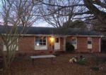 Foreclosed Home en BAXTER RD, Petersburg, VA - 23803