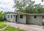 Foreclosed Home en DUCHENEAU DR, Jacksonville, FL - 32210