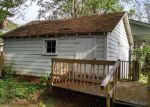 Foreclosed Home en S BOST AVE, Newton, NC - 28658