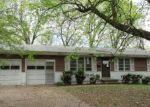 Foreclosed Home en S CRISP AVE, Independence, MO - 64052