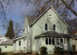Foreclosed Home en S 4TH ST, Montevideo, MN - 56265