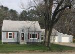 Foreclosed Home en MONEY HILL RD, Chepachet, RI - 02814