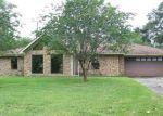 Foreclosed Home en WILLOWGLEN DR, Beaumont, TX - 77707