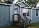 Foreclosed Home en NINK RD, Smithville, TX - 78957